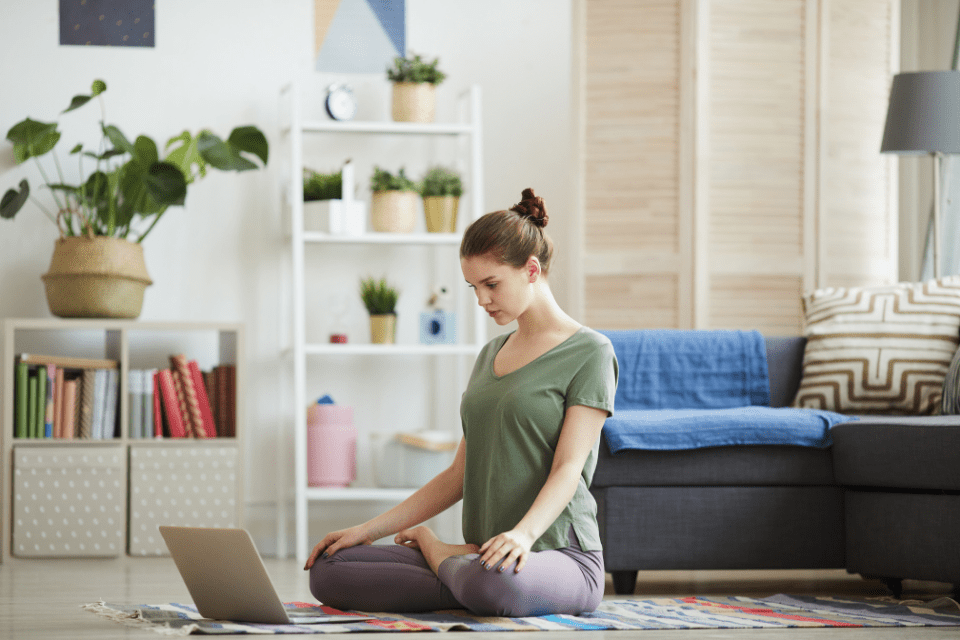 Suivre une formation professorale en ligne : Cinq mythes qui vous freinent inutilement