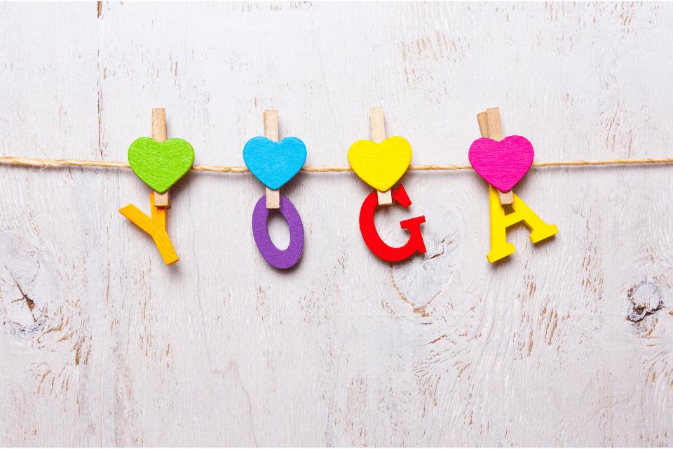 Un jour on m'a demandé : qu'est-ce que l'équilibre. En y pensant bien, je dirais que c'est un mélange de tant d'éléments et d'invisible qui se retrouve dans la pratique du yoga, vous l'aurez deviné.