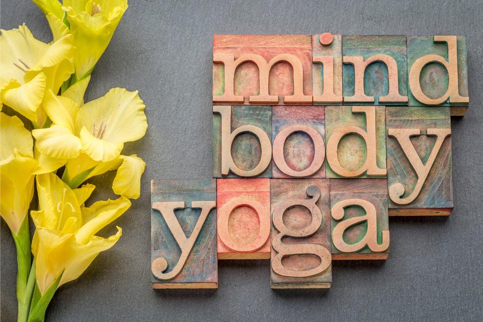 Dans son livre intitulé Les Yoga Sûtra de Patanjali, ce dernier suggère 8 étapes pour pouvoir vivre cet état d'union et reconnecter à qui vous êtes vraiment, tout en manifestant votre diamant intérieur.
